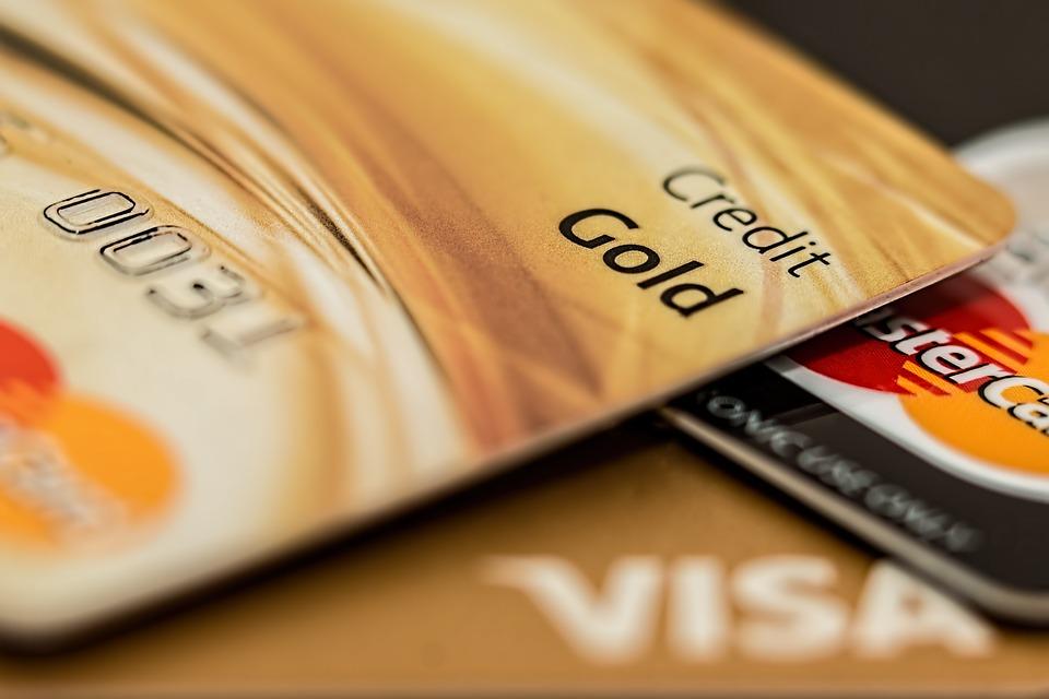 Можно ли получать зарплату на кредитную карту
